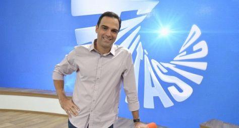 TV Globo cogita Tadeu Schmidt para apresentar o BBB22