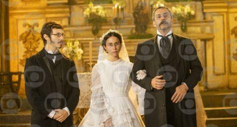 Nos Tempos do Imperador: Conformada com o destino, Dolores se casa com Tonico