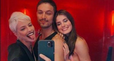 """""""Verdades Secretas 2"""" será """"cachorrona"""" no streaming, mas """"tchutchuca"""" na Globo"""