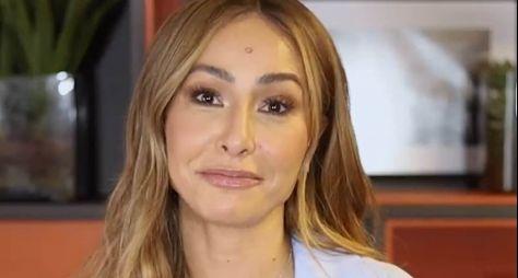 """Record TV finaliza gravação do game """"Gincana da Grana"""", com Sabrina Sato"""