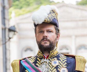 Herdeiros de família real repudiam novela das seis da TV Globo