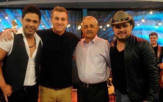 Sr. Francisco, Luciano Huck, Zezé di Camargo e Luciano. Foto: Divulgação/TV Globo
