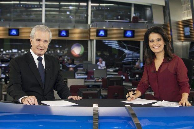 Celso Freitas e Adriana Araújo apresentam o Jornal da Record. Foto: Divulgação