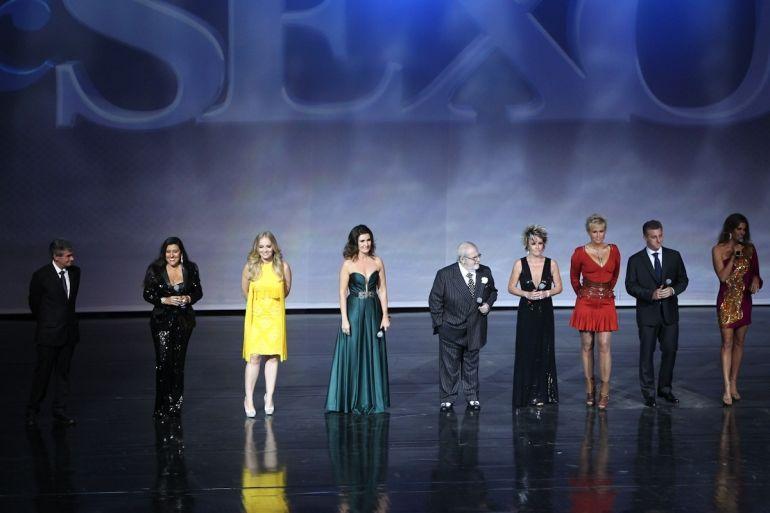 Equipe de apresentadores da emissora no Vem Aí de 2013