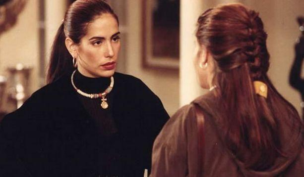 Gloria Pires em cena clássica de Mulheres de Areia. Foto: Divulgação/TV Globo