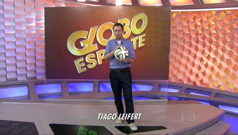 Tiago Leifert na apresentação do Globo Esporte pouco antes da Copa do Mundo (Foto: Reprodução/TV Globo)