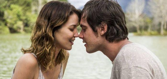 Nathália Dill e Sérgio Guizé em cena de Alto Astral (Foto: Reprodução/TV Globo)