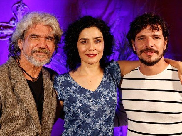 Jackson Antunes, Letícia Sabatella e Daniel de Oliveira formam triângulo amoroso (Foto: Ellen Soares/GShow)