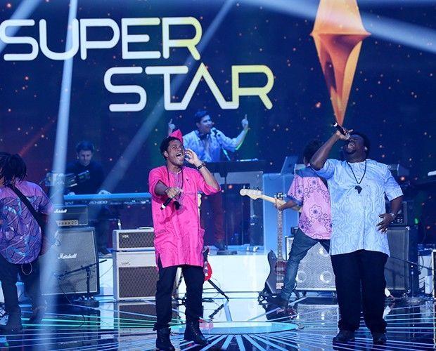 Grupo Dois Africanos se apresentando no SuperStar (Foto: Isabella Pinheiro/GShow)