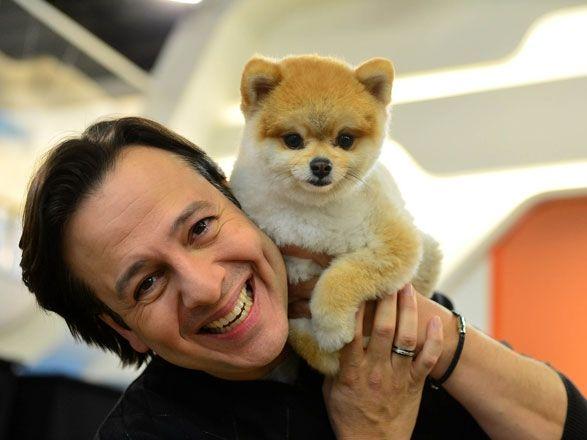 Celso Zucatelli e o cachorro Paçoca no Hoje em Dia (Foto: Edu Enomoto/TV Record)