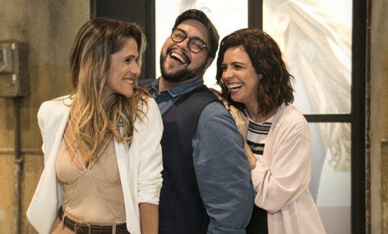Ingrid Guimarães, Tiago Abravanel e Renata Gaspar. Foto: Globo/Paulo Belote