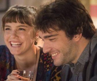 Isabela (Alice Wegmann) e Tiago (Humberto Carrão)