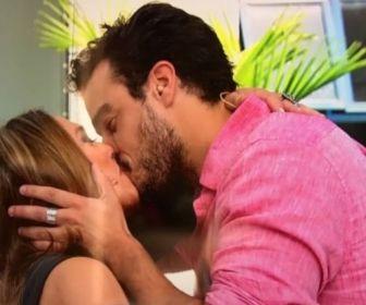 Susana beija Joaquim Lopes no Vídeo Show (Globo)
