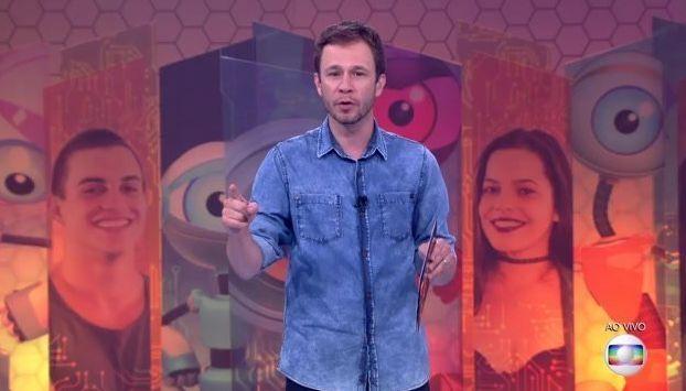 Tiago Leifert apresenta o BBB17. Foto: Reprodução/Globo