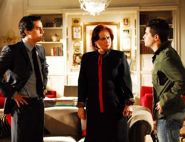 Wagner Moura, Vera Holtz e Bruno Gagliasso. Foto: Globo