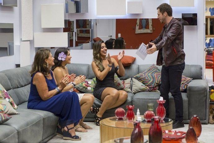 Tiago visitou as semifinalistas. Foto: Globo