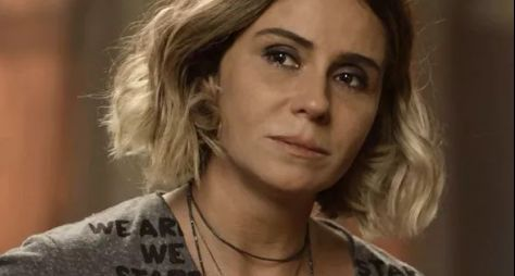 Luzia (Giovanna Antonelli), a fugitiva menos discreta da teledramaturgia. Foto: Globo