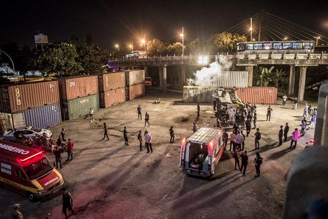 Bastidor da cena do acidente de ônibus. Foto: Globo/Mauricio Fidalgo