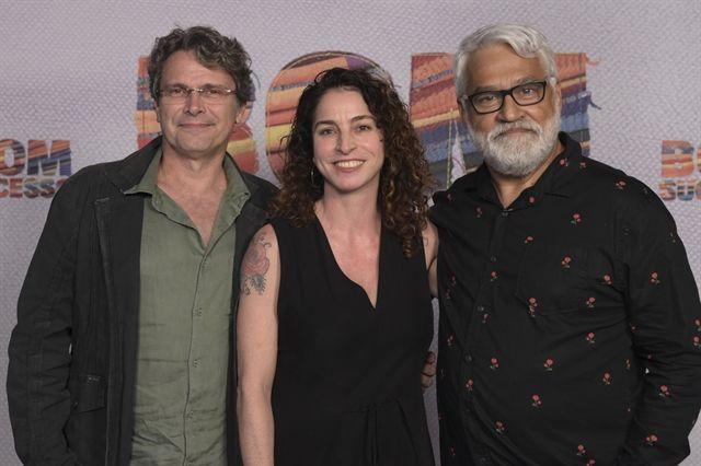 Diretor e os autores. Foto: Globo / Estevam Avellar