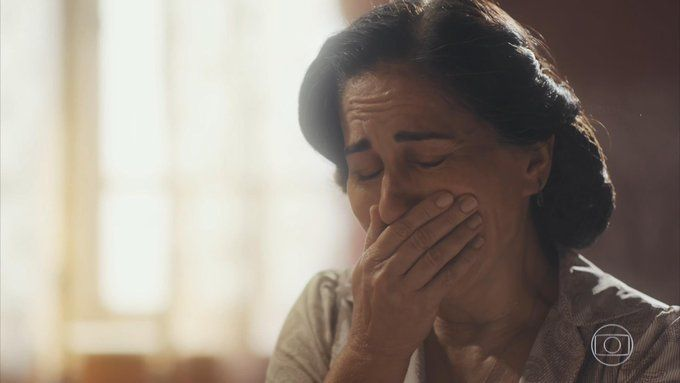O sofrimento de Lola (Gloria Pires), Foto: TV Globo/Divulgação