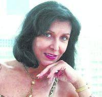 """Ítala Nandi faz sucesso com as crianças em """"Caminhos do Coração"""""""
