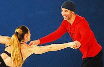 """""""Dança no Gelo"""": Tande cai em treino e corta testa"""