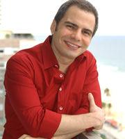 """Ricardo Linhares comenta seus trabalhos e o sucesso de """"Paraíso Tropical"""""""