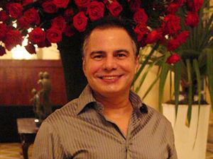 """Entrevista Ricardo Linhares: """"A proposta era criar uma narrativa diferenciada"""", diz sobre Insensato Coração"""